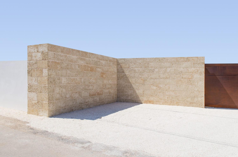 architetto-brischetto-parabita-progettazione-cancello-carrabile-in-corten